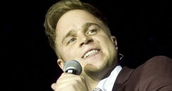 Olly Murs sings live on Tour