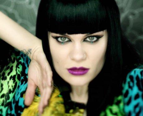 Jessie J- 'Domino'