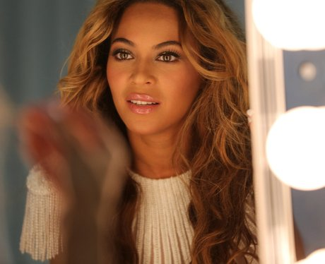Beyonce backstage on 'The Mrs. Carter Show' tour