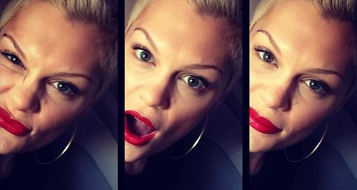 Jessie j selfie