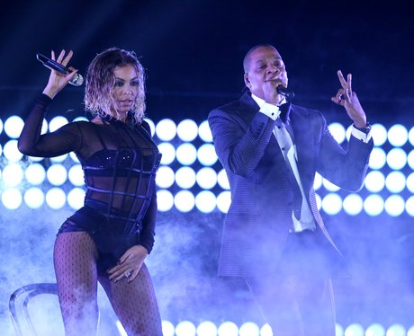Beyonce and Jay Z perform at the Grammy Awards 201