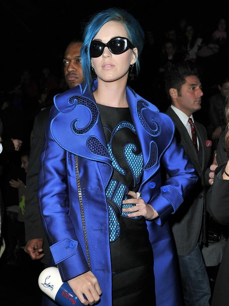 Katy Perry Sunglasses In Dark