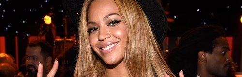 Beyonce wearing Stevie Wonder T Shirt