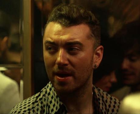 Sam Smith singing in Disclosure Omen music video