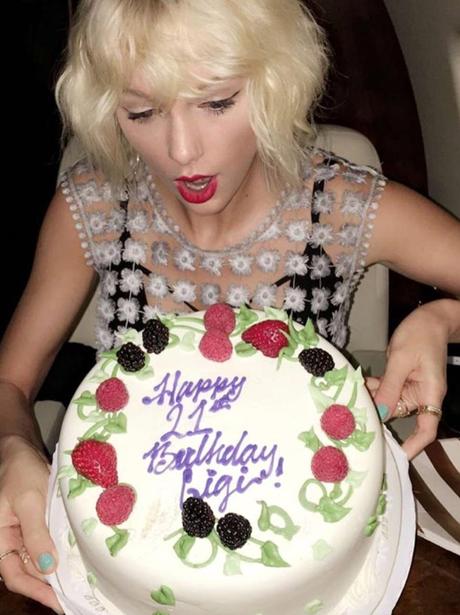 Taylor Swift bakes Gigi Hadid a birthday cake