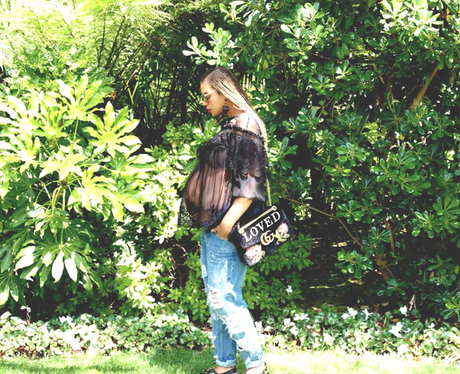 Beyonce continues to flaunt baby bump
